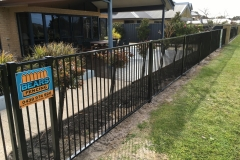 aluminium flat top pool fence