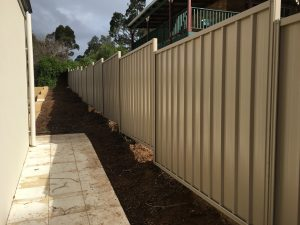 COLORBOND® Fencing example by Bears Fencing.