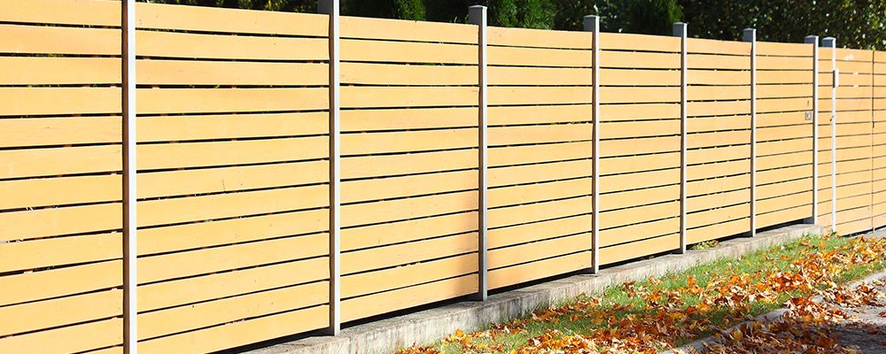 Timber fence by bears fencing.
