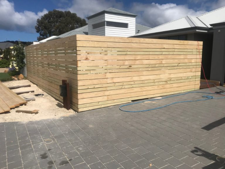 zommed out Slatted Fencing & Gate