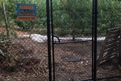 Chain mesh gate