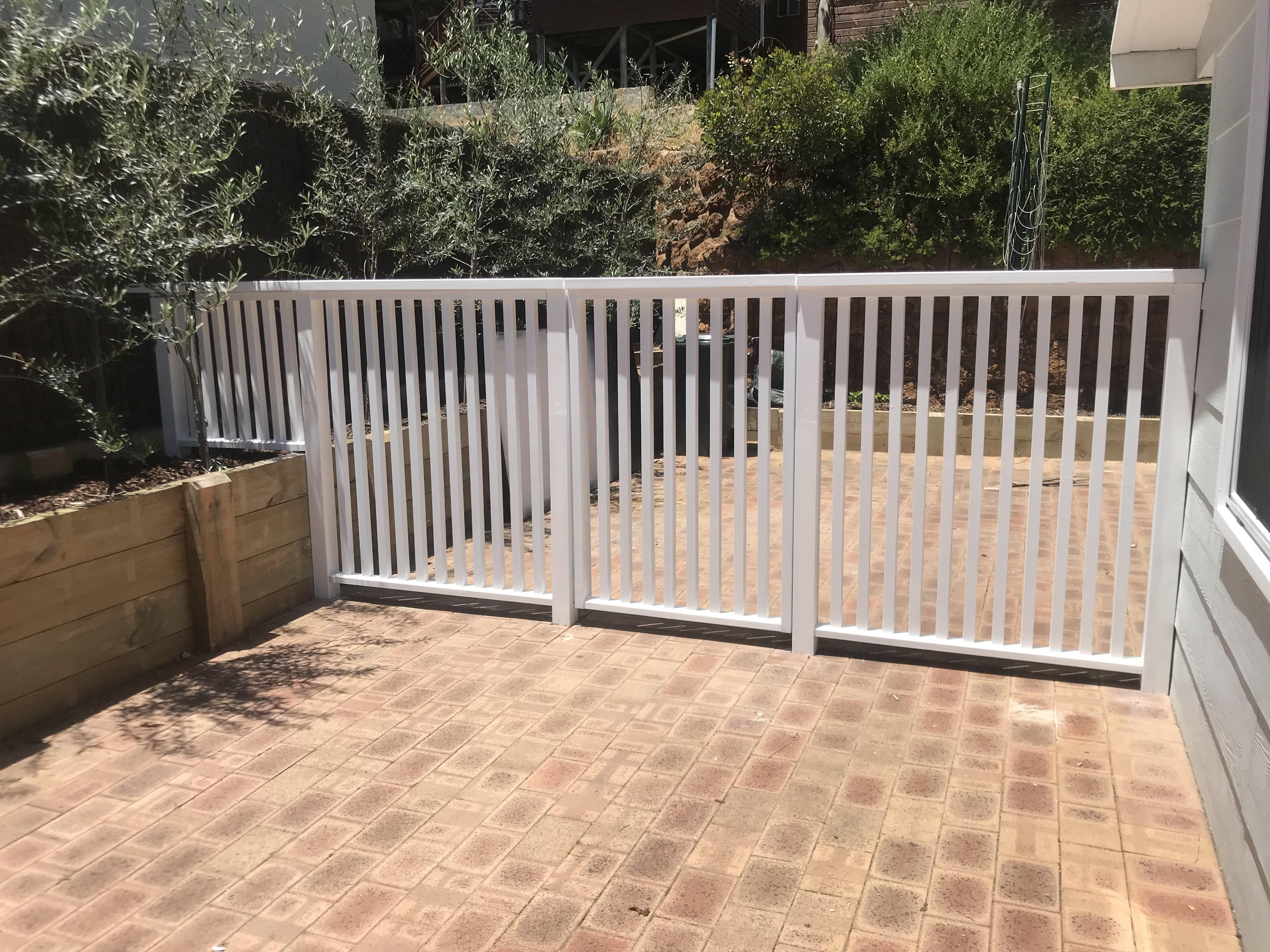 White pinelap fence